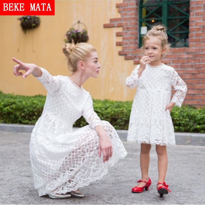 BEKE MATA Mother Daughter Dresses 2017 New Autumn Lace Hollow Mother Daughter Matching Clothes Family Look Girl And Mom Clothing 2017 summer children clothing mother and daughter clothes xl xxl lady women infant kids mom girls family matching casual pajamas