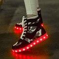Sapatos Conduziu a luz plana com sapatos altura crescente dos homens tamanho grande 35-45 luminosa sapatas superiores altas dos homens 2017 sapato camoutlage