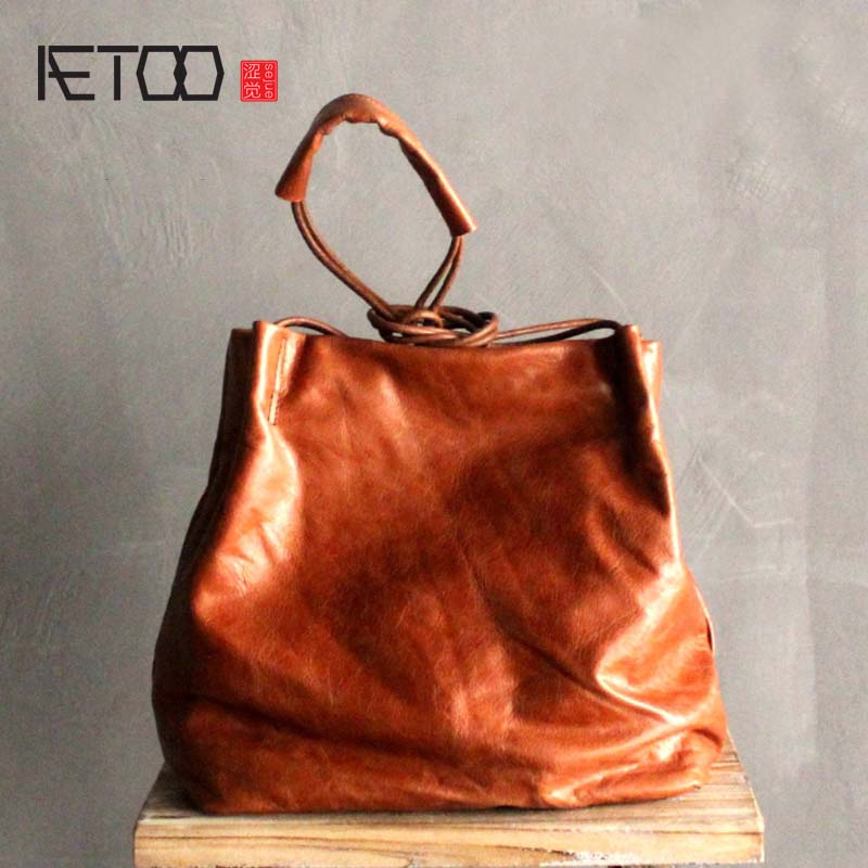 AETOO Simple design retro oil wax leather buckets Korean version of the first layer of leather cowhide handbags art shoulder bag steven goldberg h billions of drops in millions of buckets why philanthropy doesn t advance social progress