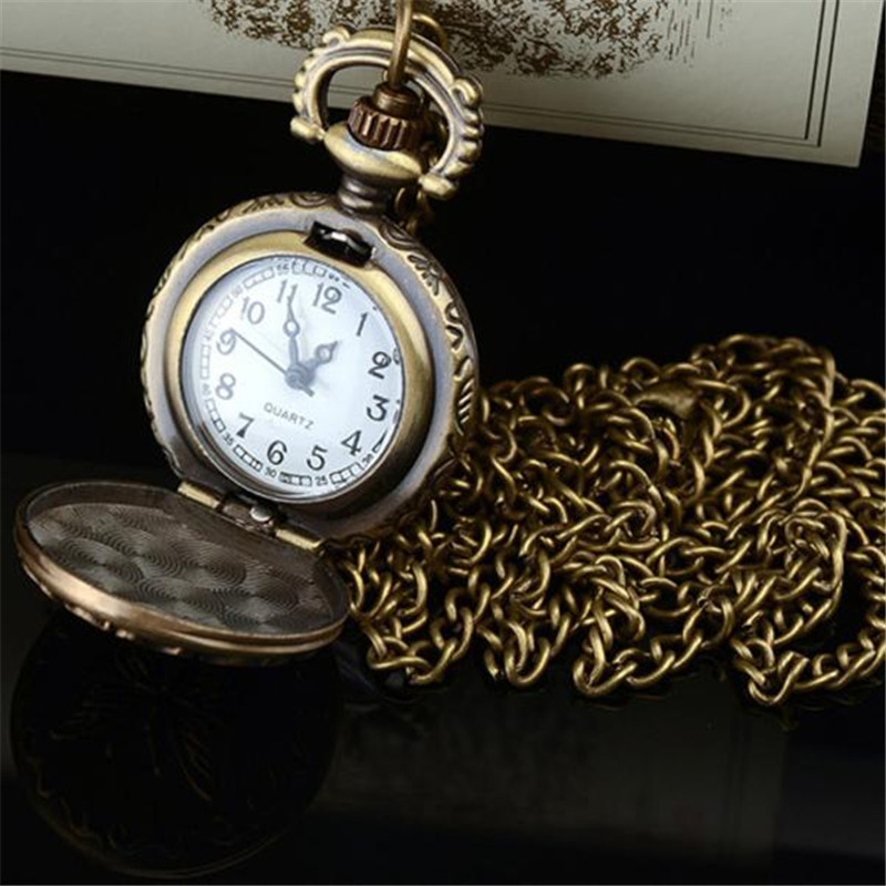 Fabulous Retro Alloy Antique Number Butterfly Pocket Watch With Chain Fashion Life Simple Antique Collection CLAUDIA erkek saat old antique bronze doctor who theme quartz pendant pocket watch with chain necklace free shipping