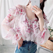 57d15f6a0d BGTEEVER Sexy Plissado Alargamento Manga Chiffon Camisa Blusa Floral V  Profundo do pescoço Mulheres Blusas 2018 Transparente Cas.
