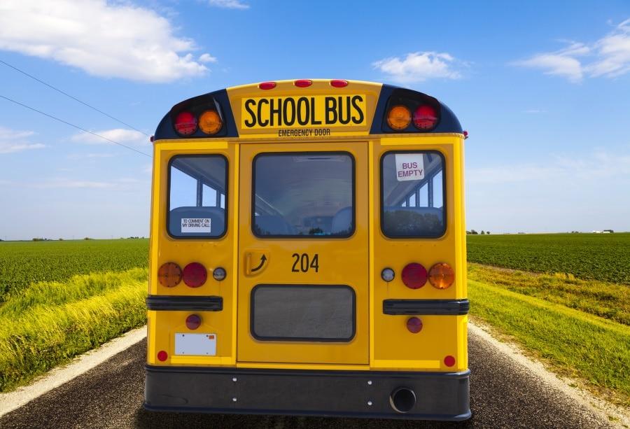 Us 367 8 Offlaeacco Bus Sekolah Pedesaan Pedesaan Mengajukan Peta Langit Biru Berawan Anak Potret Foto Latar Belakang Latar Belakang Photocall