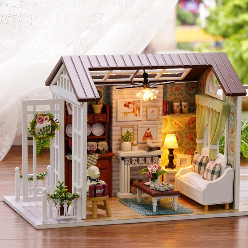 Hand-assembled DIY Doll House Small Wooden Doll House Toy Furniture miniature room box miniature dollhouse Toys Birthday Gift