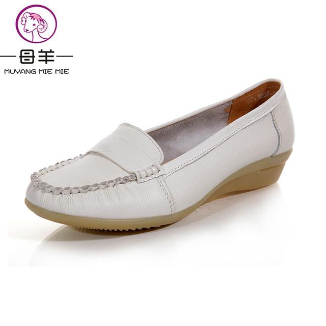 Muyang mie mie 5 cores 2017 novos sapatos da moda mulheres couro genuíno sapatas lisas das mulheres sapatos de enfermagem do trabalho ocasional das mulheres flats