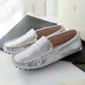 2017 Модная Обувь Женщина 100% Натуральная Кожа Женщины Плоские Туфли Мягкие Мокасины Повседневная Обувь Из Кожи Квартиры Леди Обувь для Вождения