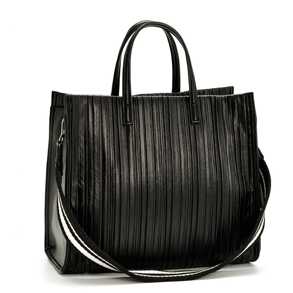 купить 2018 New Autumn Winter New Slanting Bag Handbag Leisure Handbag Large Capacity Practical Simple and Generous Pleated Striped по цене 2189.71 рублей