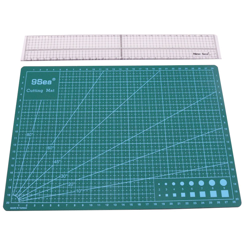 Patchwork Tool Combination Household Hand Sewing Supplies Acrylic Material 5 * 30cm Patchwork Ruler And A4 Cutting Mat