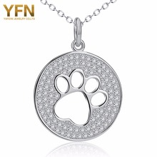 YFN Genuino 925 Sterling Silver Hollow Out Pata Del Gato Del Perro de Cristal Shinning Collar Colgante de Collar de La Joyería Animal de La Manera