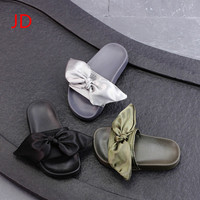 Summer New Children S Shoes Girls Cool Slippers Slippers Fashion Butterflies Word Drag Casual Soft Soled