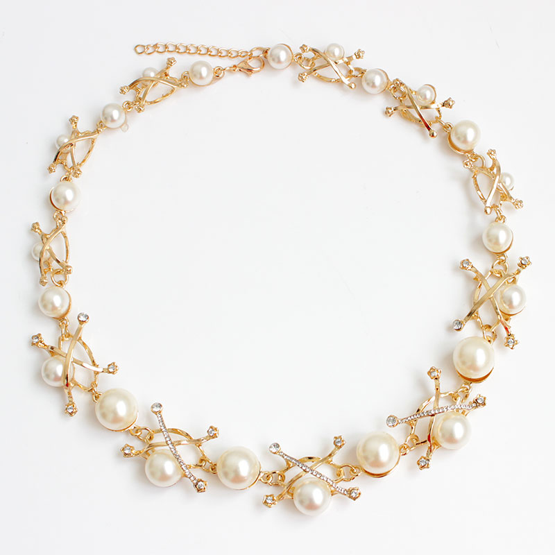 Hospitable F&u Top Selling Europe Fashion Popular Elegant Girls Party Gold And Black Stimulated Pearl Necklace Aromatic Flavor