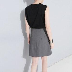 Image 3 - [EAM] تنورة جديدة موضة 2020 للربيع والصيف بخصر عالي مطاطي وزر أسود مزودة بأشرطة تنورة بطول نصف الجسم للسيدات JW185