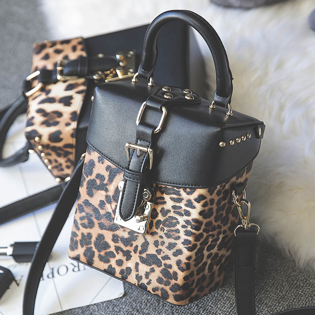 Personality Fashion Vintage Leopard Box Shape Handbag Rivets Shoulder Bag Las Casual Totes Crossbody Messenger
