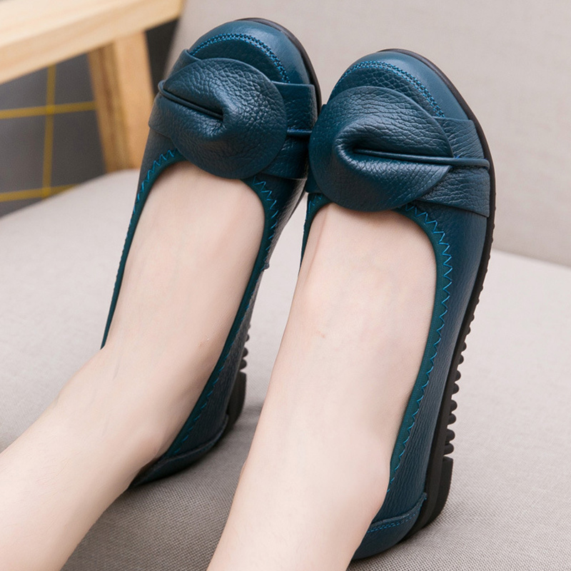 Shoes women casual loafers flats genuine leather slip-on flower sewing round toe shallow shoes female shoes big size 4.5-9 new shallow slip on women loafers flats round toe fishermen shoes female good leather lazy flat women casual shoes zapatos mujer