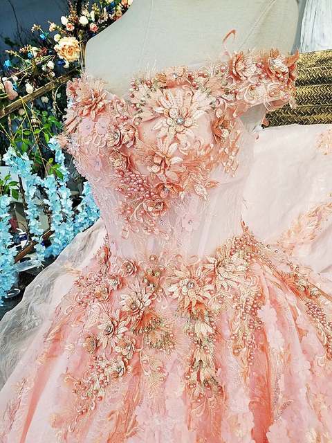 2017 Real Photos Pink Ball Gown Wedding Dress Long Train Luxury Lace  Appliques Flowers Beaded Scoop b30ef02bc93e
