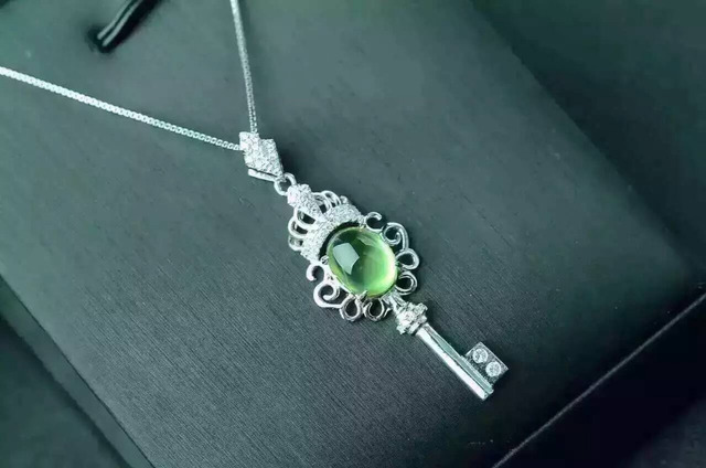 green gift gemstone necklace natural silver flowers prehnite trendy item women butterfly pendant stone
