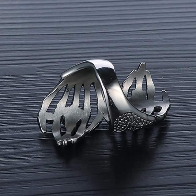 STAINLESS STEEL SKULL ON HAND RINGS