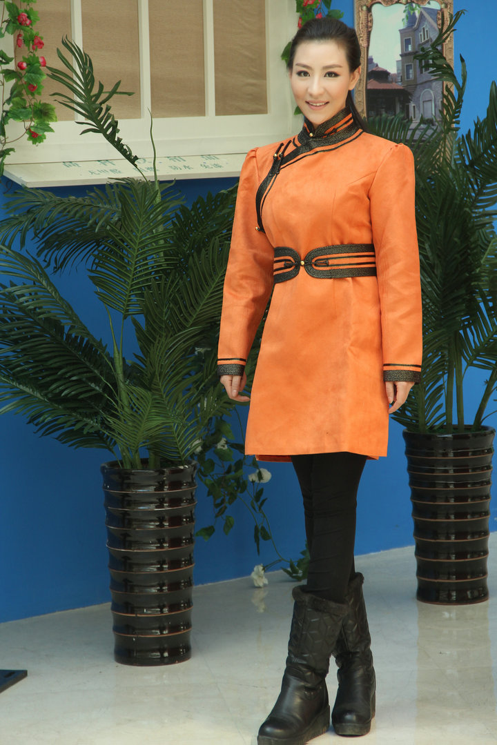 Orange Color  Mongolia nationality costume female fashion gowns Mongolia suede Family living  Robe clothing  life girl Asia & Pacific Islands Clothing Novelty & Special Use - title=