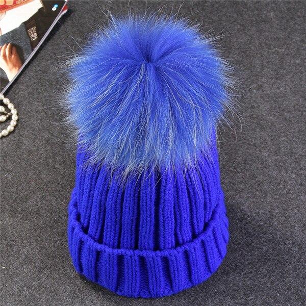color pom blue
