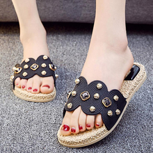 2019 Fashion Crystal Flat with Women Beach Slippers Flip Flops Home Outside New Summer Flat Sandals Slip On Slides Shoes XL383 стоимость