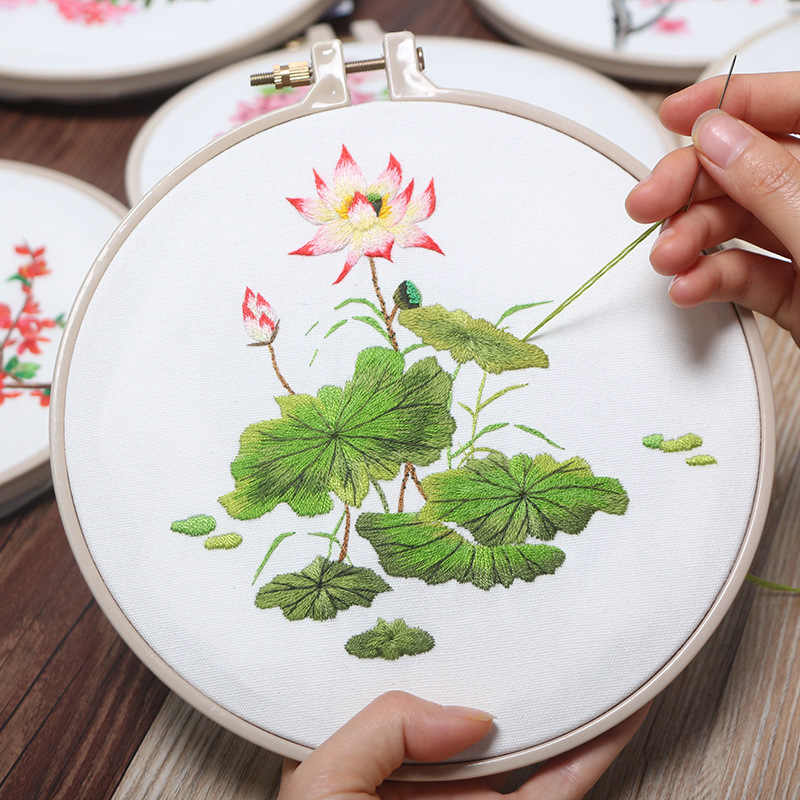 Lotus Flower Chinese Embroidery Kits for Beginner DIY Needlework Cross Stitch Sets Swing Art Home Decoration Meet Sets Gifts