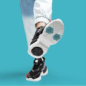 Image 5 - ONEMIX Unisex Turnschuhe Große Größe 2020 Neue Technologie Stil Leder Dämpfung Komfortable Männer Sport Laufschuhe Tennis Papa Schuhe