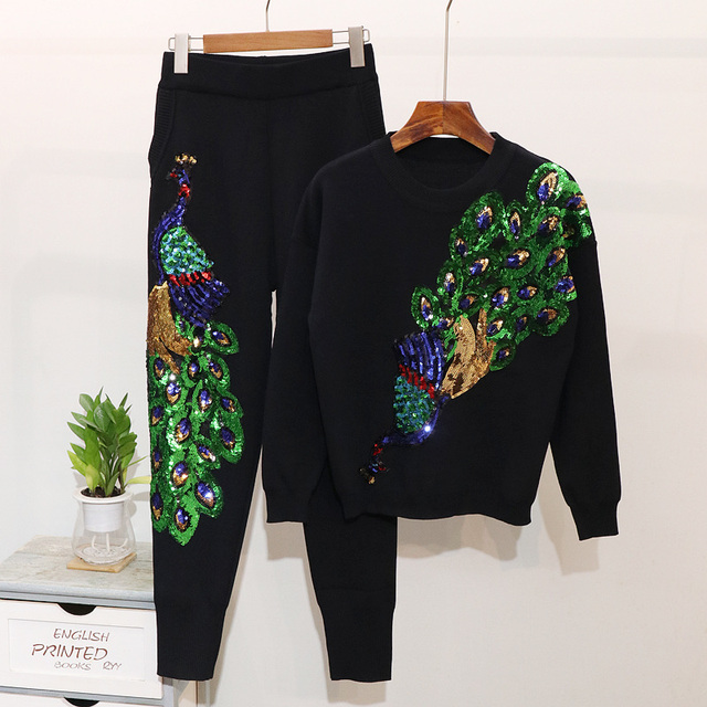 2019 Women Two Piece Set knitted Tracksuit Autumn Fashion Beading Peacock Long sleeve Sweater + Pants Set Casual Women Clothes