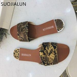 Image 4 - 2019 חדש מותג מעורב צבעים נשים נעל Pllus גודל 35 41 נשים קיץ חוף שקופיות כפכפים חיצוני שטוח נעל