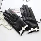 Перчатки из овечьей кожи с бантом; женские кожаные перчатки из овчины с резным узором; Цвет Черный; сенсорный экран - 1