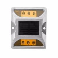 Solar Spike Lights Cast Energy Saving LED Highlight Spike Light High Resistance Waterproof Road Lighting Tips