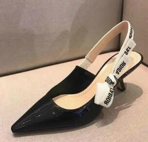 (N&C) women brand high heel shoes black nude patent leather wedding shoes sandal great quality with original logo and box real photo black and nude patent leather women sandals stilettos high heels no ps ol ladies sandal shoes new 2016 sandal shoes