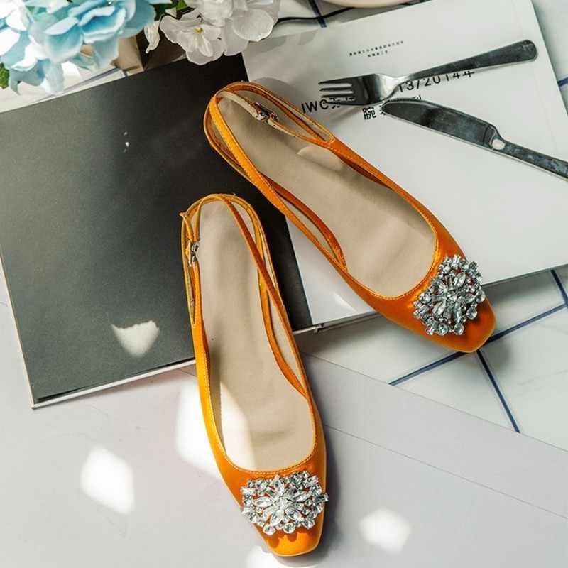 Mulheres Bombas De Verão de Cetim Fivela Slingback Sapatos Feitos À Mão Das Mulheres Quadrados sapatos de Salto Baixo de Cristal Tecido De Seda Mulheres Calçados 2019 MAZIAO