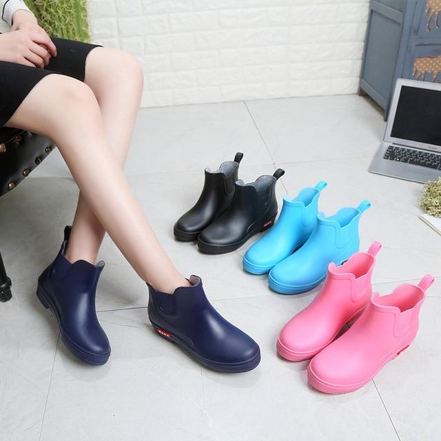 SWYIVY Rainboots أحذية امرأة الكاحل عالية 2018 الخريف الإناث Wellies أحذية ماء وأشار شقة لون الحلوى Rainboots أحذية نصف رقبة من المطاط