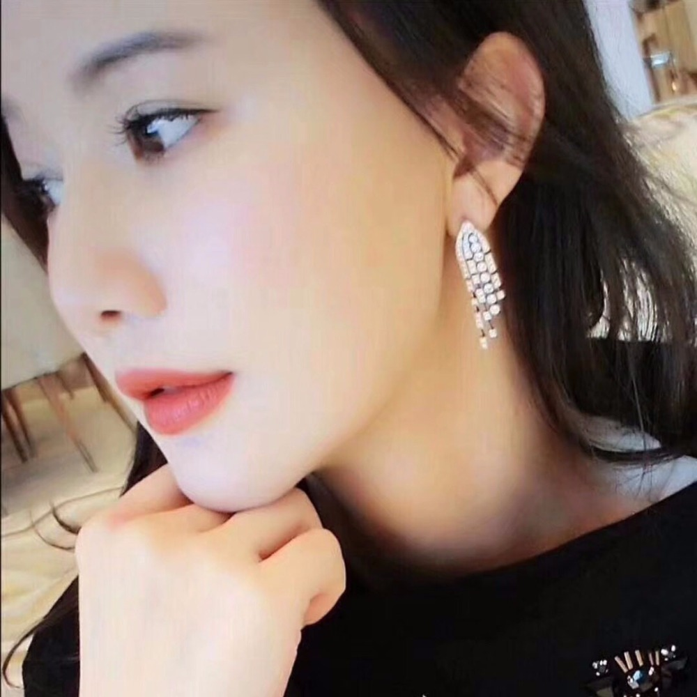 Qi Xuan_Trendy Jewelry_New Cute/Romantic Earrings S925 Silver Inlay Zircon Elegant And Irregular Irregular_Factory Direct SalesQi Xuan_Trendy Jewelry_New Cute/Romantic Earrings S925 Silver Inlay Zircon Elegant And Irregular Irregular_Factory Direct Sales