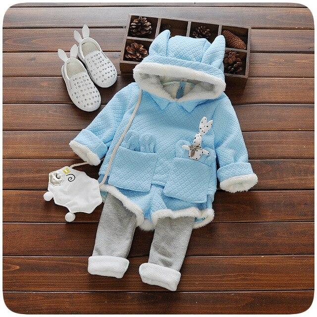 2016 новый Осень/Зима новорожденных девочек одежда устанавливает дети бархат теплая одежда набор дети девушки мультфильм кролик пальто + брюки костюмы