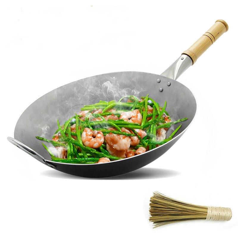 A 8% vente chaude en fonte Wok marmite sans revêtement Original fer sauté Wok maison traditionnelle santé Wok costume pour feu cuisinière à gaz