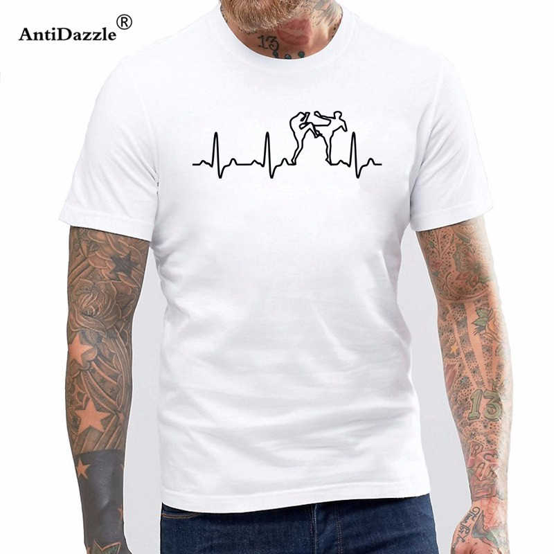 NUEVO ESTILO DE VERANO camiseta Muay Thai corazón camiseta Casual de los hombres Anime Hip Hop Camiseta de manga corta