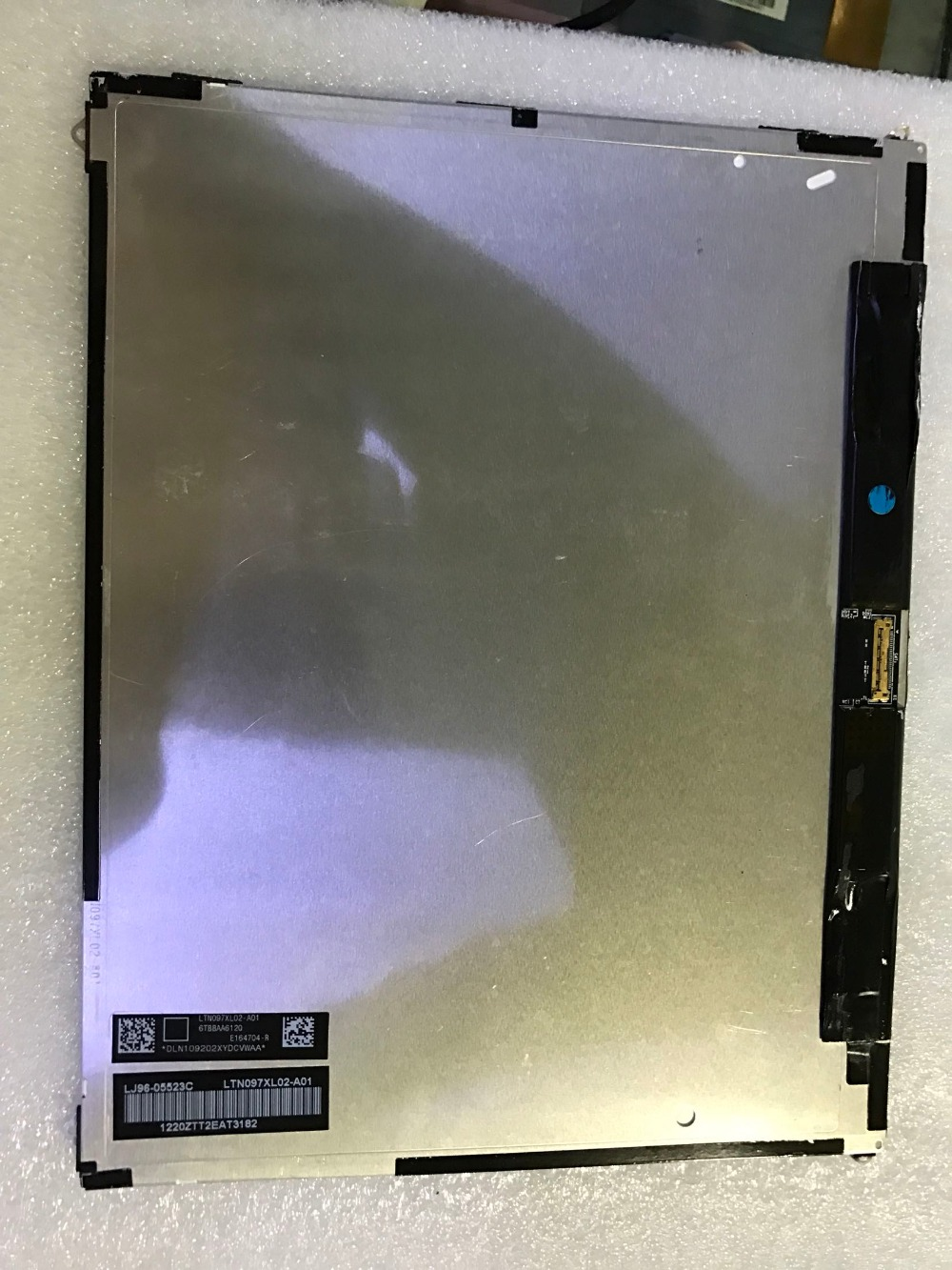 free shipping Original New 9.7 inch LCD screen Model: LTN097XL02-A01 free shipping original new 7 inch lcd screen model m070wx04 bl v01 cable number m070wx01 fpc v06 page 6