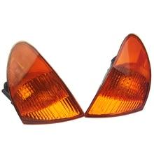 купить 1 Pair White Yellow Corner Lights Turn Signal Lamp Cover For BMW 3-Series E46 320i 323i 325i 328i 330i 1999 2000 2001 по цене 1715.29 рублей