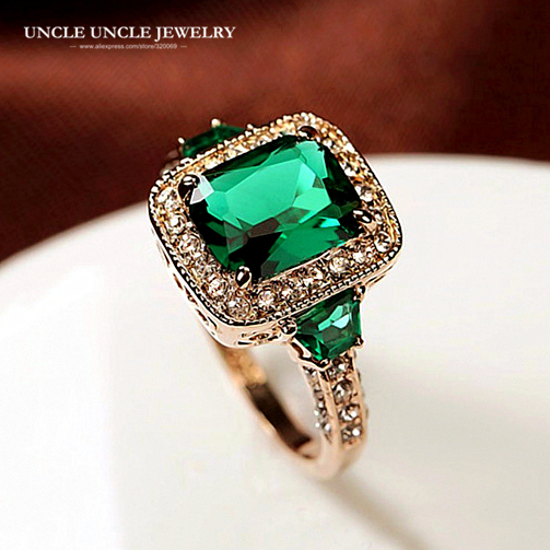 High Quality Man-Made Green Crystal Luxury Woman Ring Rose Gold Color Rectangle Crystal Lady Engagement Ring Wholesale