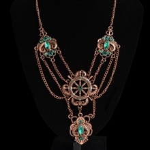 Brilliant Original Design Gears Joined by Chain Women`s Vintage Steampunk Necklace With Crystals