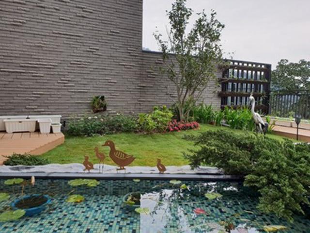 Mother Duck With Three Baby Ducks Decorative Metal Garden Stake