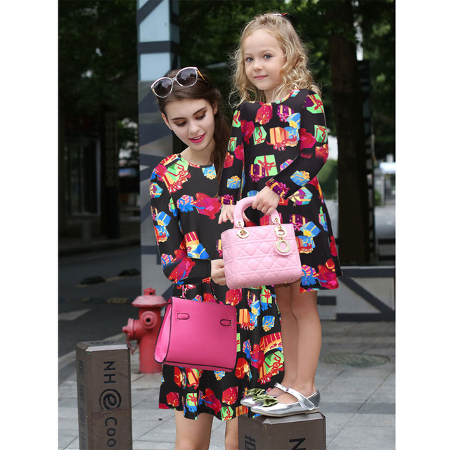 Family Matching Outfits Parent-child models fall 2016 women's print long-sleeved dress women  Europe and America Christmas