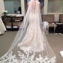 Новинка года; Красивая свадебная фата белого цвета/цвета слоновой кости с кружевным краем и бесплатной доставкой