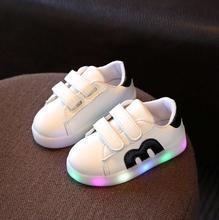 Girls Shoes Baby Крюк Петля Дети Светодиодные Светящиеся Shoes Мальчики Светящиеся Кроссовки Маленьких Детей Девочек Принцесса с Разноцветными Огоньками