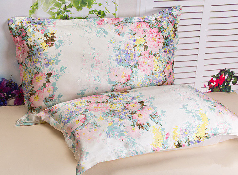 One Side Pillowcase 1pc Gratis frakt 100% Mulbery Silk Pillowcase Tryckt Blom Färg Silk Pillow Cover Standard Queen King