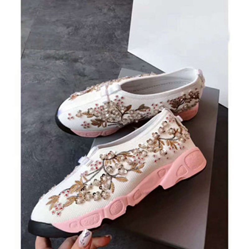 Womens running shoes sponge cake soles sequins hand embroidery flowers rhinestones top quality 20 colors womens casual shoesWomens running shoes sponge cake soles sequins hand embroidery flowers rhinestones top quality 20 colors womens casual shoes