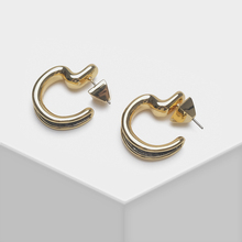 купить Geometric metal design for stylish drop earrings по цене 1130.03 рублей