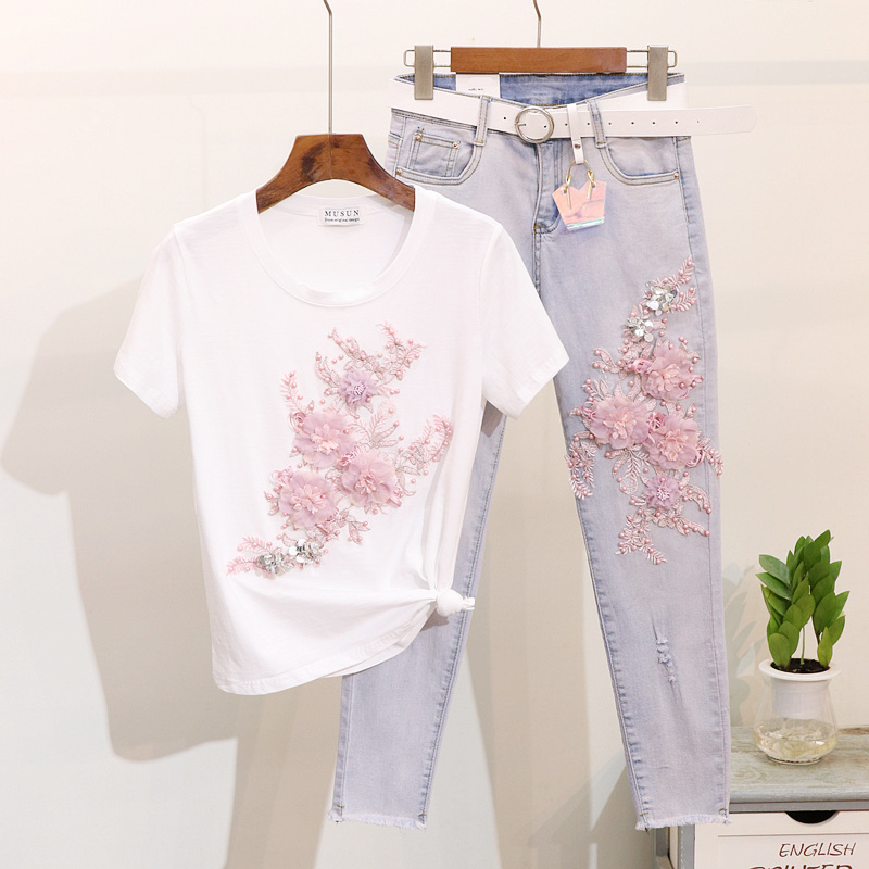 2019 Spring Summer Heavy Beads Embroidery Three-dimensional Flower Short Sleeve T-shirt + Broken Hole Jeans Two Piece Sets Women