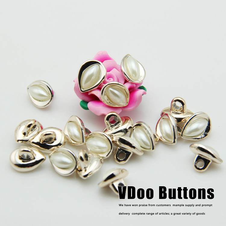 Free shipping Button buttons pearl roses Phnom Penh seeds shirt cardigan sweater buckle 12.5 * 10mm sewing supplies