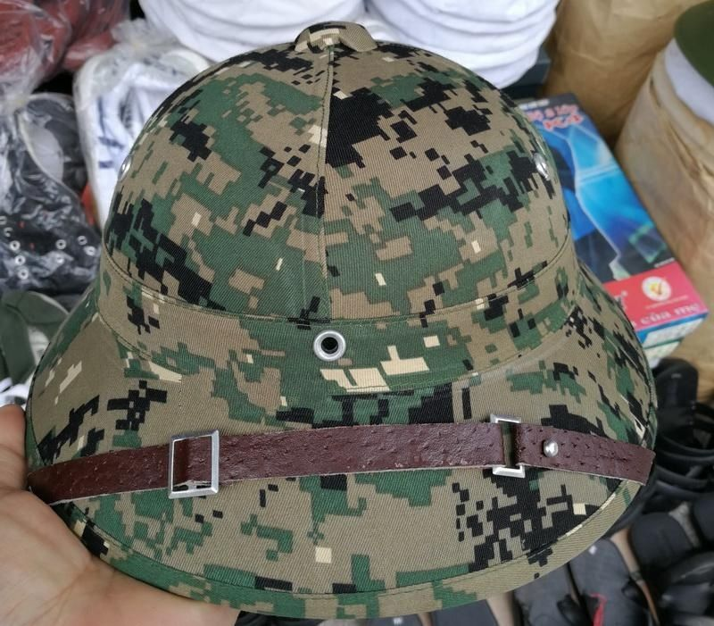 7043de70a44 VIETNAM WAR HAT NVA VIETCONG VC PITH HELMET JUNGLE EXPLORER CAP Marpat  Woodland WITH BADGE World military Store-in Hiking Caps from Sports    Entertainment ...
